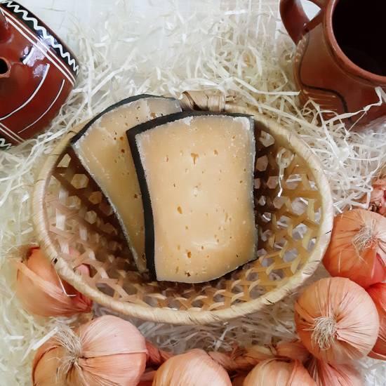 Выдержанный коровий сыр «Чёрная Принцесса»