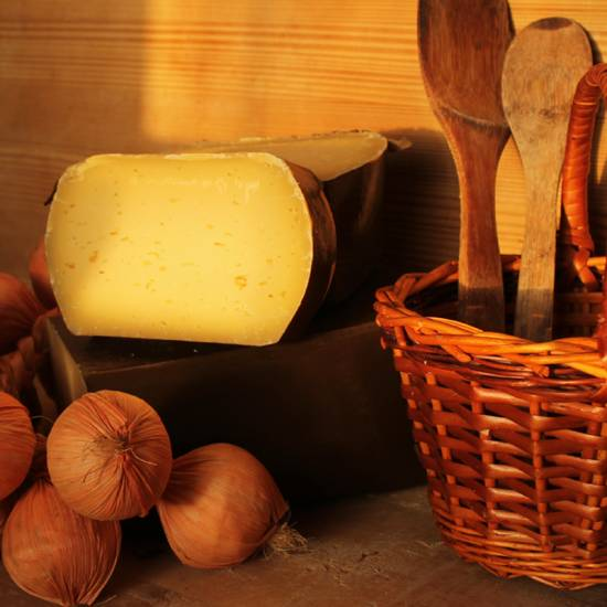 Сыр коровий твердый