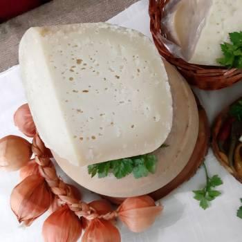 Сыр козий «Вертеп» (натур. оболочка)