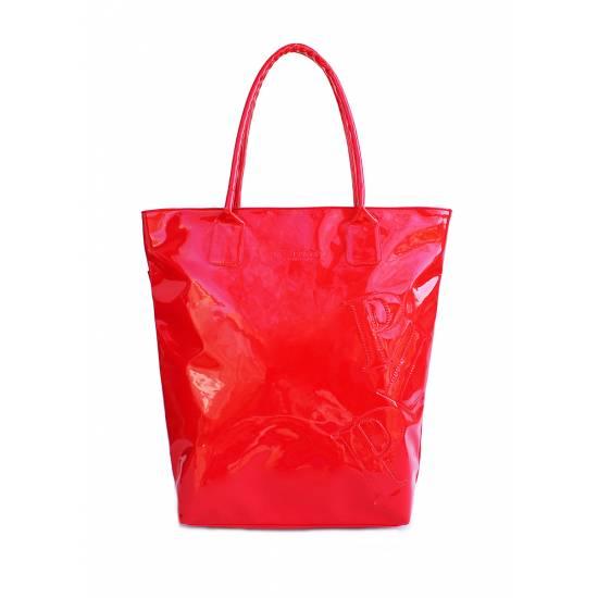 Лаковая сумка красного цвета