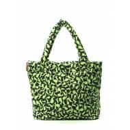 Дутая сумка зеленого цвета с рисунком