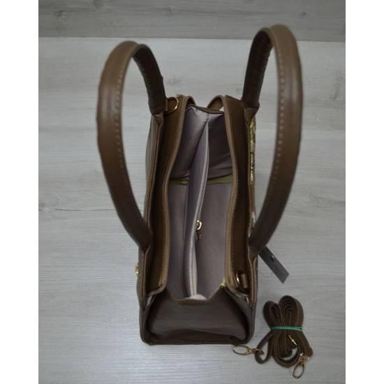 Классическая женская сумка кофейного цвета в змеиной расцветке