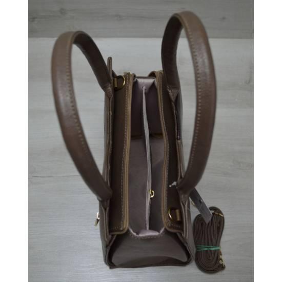 Классическая женская сумка кофейного цвета