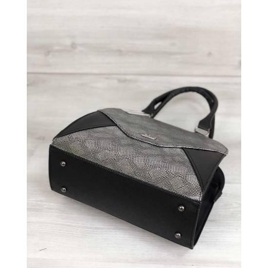 Женская сумка черного цвета со вставкой серебряного цвета