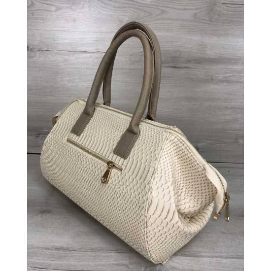 Классическая женская сумка бежевая