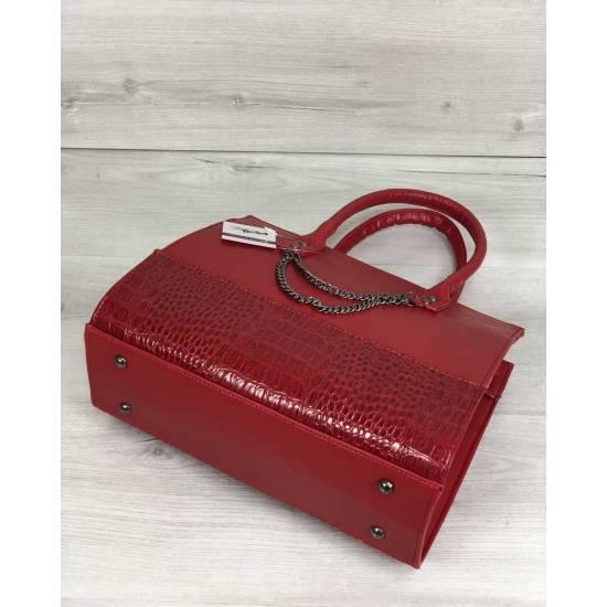 Каркасная женская сумка красного цвета с цепочкой