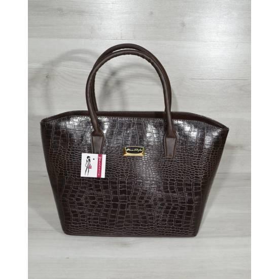 Коричневая сумочка покрытая лаком