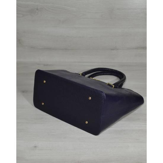 Стильная женская сумка синего цвета покрытая лаком