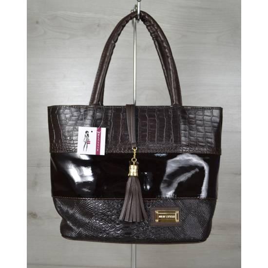 Комбинированная сумка серого цвета с вставкой покрытой лаком