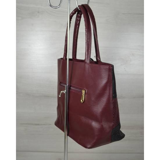 Комбинированная сумка с кисточкой бордового цвета