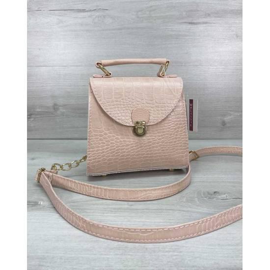 Модная женская сумочка розового цвета