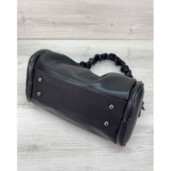 Модная сумочка черного цвета