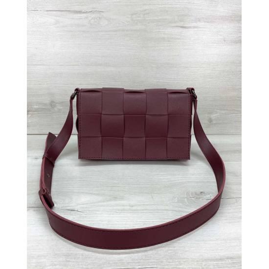 Плетеная сумочка бордового цвета