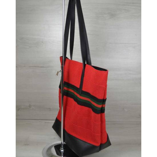 Красная летняя сумка