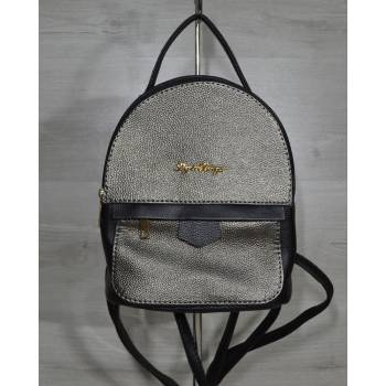 Черный рюкзак с вставкой металлического цвета