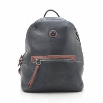 Черный рюкзак из кожзама с внешним карманом