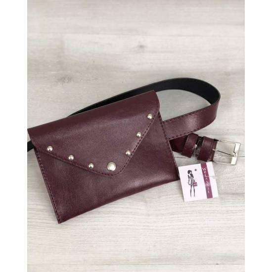 Женская сумка бордового цвета на пояс