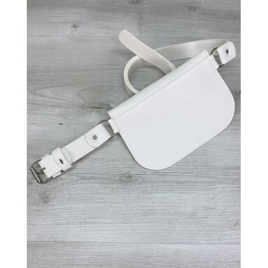 Женская сумка белого цвета