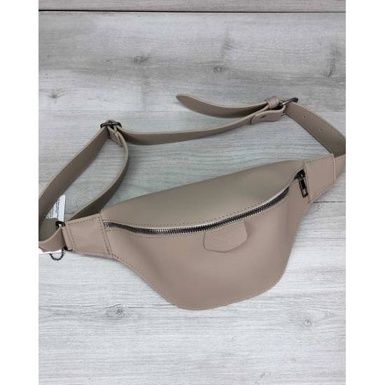 Женская сумочка бежевого цвета