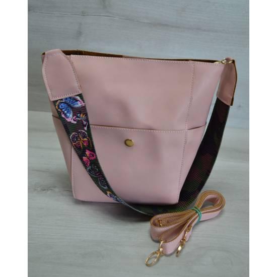 Стильная сумка розового цвета с клатчем