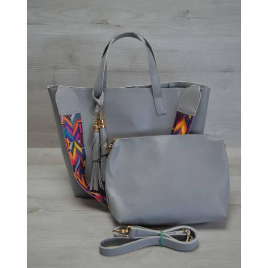 Стильная сумочка серого цвета с клатчем