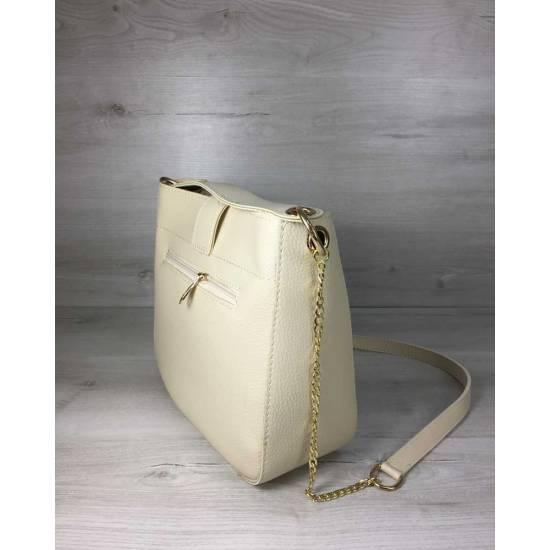 Стильная сумочка бежевого цвета