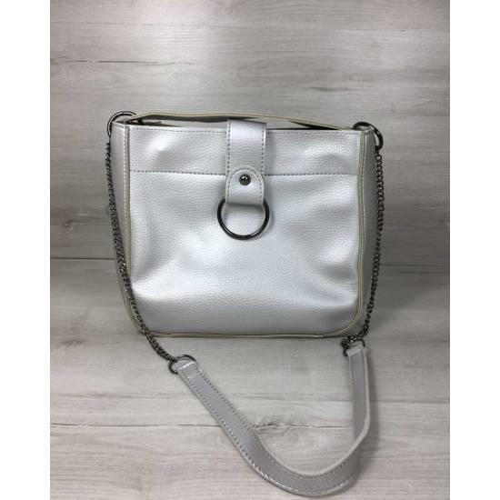 Модная сумочка серебристого цвета